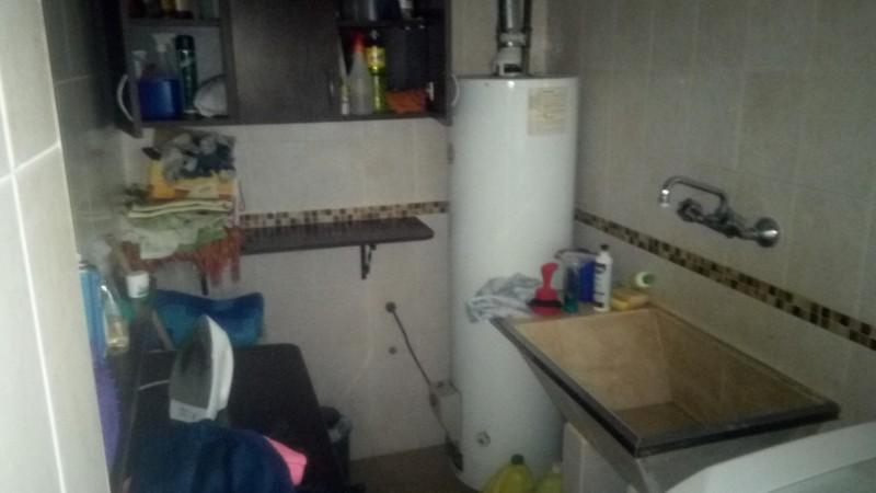 Hermoso Chalet En Barrio Residencial